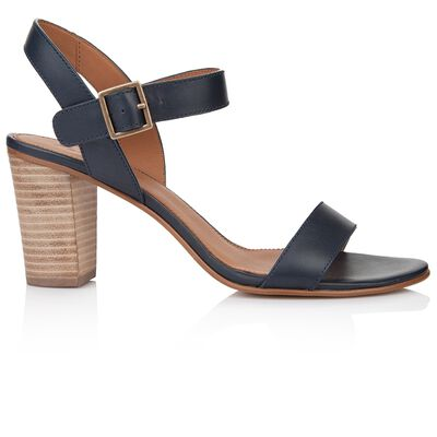 Rare Earth Jenna Sandal
